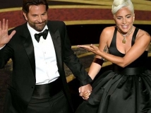 https://www.filmibeat.com/img/2019/02/oscars-bradley-cooper-lady-gaga-a-star-is-born-shallow-1551096454.jpg
