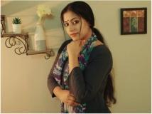 https://www.filmibeat.com/img/2019/05/anusithara-1558954905.jpg