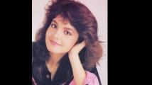 https://www.filmibeat.com/img/2019/09/pooja-bhatt-used-to-hate-alia-bhatt-mom-soni-razdan-for-snatching-away-mahesh-bhatt-from-her-1569563740.jpg