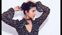 https://www.filmibeat.com/img/2019/10/priyanka-chopra-was-humiliated-in-front-of-akshay-kumar-by-saroj-khan-son-andaaz-shoot-1570599955.jpg
