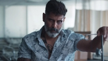 https://www.filmibeat.com/img/2019/11/vikram-1574061967.jpg