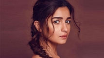 https://www.filmibeat.com/img/2019/12/alia-bhatt1-1576643290.jpg