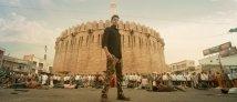 https://www.filmibeat.com/img/2019/12/sarileruneekevvaru-maheshbabusdesilookleakedmakersfurious-1576475570.jpg