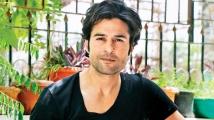 https://www.filmibeat.com/img/2020/04/867661-rajeevkhandelwal-091419-1586701978.jpg