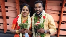 https://www.filmibeat.com/img/2020/04/manikandan-achari-ties-the-knot-with-anjali-1587914342.jpg
