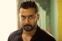 https://www.filmibeat.com/img/2020/04/soorarai-pottru-157845859510-1587973510.jpg