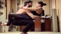 https://www.filmibeat.com/img/2020/04/sushmitasenandrohmanshawl-1585829269.jpg