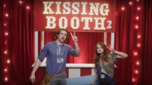 https://www.filmibeat.com/img/2020/05/kissingbooth3-1590212385.jpg
