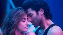 https://www.filmibeat.com/img/2020/05/malangsaaa-1589954350.jpg