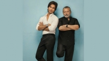 https://www.filmibeat.com/img/2020/05/shahid-kapoor-1590732889.jpg