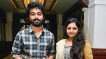 https://www.filmibeat.com/img/2020/08/gv-prakash-kumar-and-saindhavi-introduce-daughter-anvi-1598483443.jpg