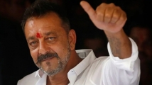 https://www.filmibeat.com/img/2020/08/sanjay-dutt-lung-cancer-1597167675.jpg