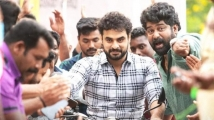 https://www.filmibeat.com/img/2020/08/tovino-thomas-s-kilometers-and-kilometers-to-get-an-ott-release-1597081422.jpg