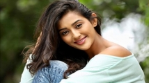 https://www.filmibeat.com/img/2020/09/poojajhaveri-1599904796.jpg