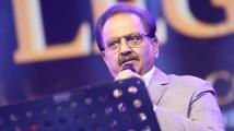 https://www.filmibeat.com/img/2020/09/sp-balasubrahmanyam-passes-away-at-74-1601020944.jpg