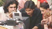 https://www.filmibeat.com/img/2020/10/kareena-kapoor-shahid-kapoor-1603778381.jpg