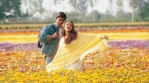 https://www.filmibeat.com/img/2020/11/veer-zaara--where-are-such-films-now-1605177920.jpg
