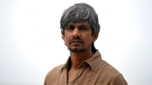 https://www.filmibeat.com/img/2020/11/vijay-raaz-1604413506.jpg