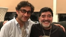 https://www.filmibeat.com/img/2020/11/rip-diego-maradona-filmmaker-asif-kapadia-mourns-the-demise-of-legend-1606327108.jpg