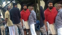 https://www.filmibeat.com/img/2020/12/aaraattu-mohanlal-s-look-for-the-b-unnikrishnan-project-is-out-1607104942.jpg