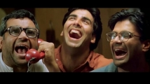 https://www.filmibeat.com/img/2021/03/akshay-1617177997.jpg