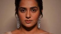 https://www.filmibeat.com/img/2021/04/parvathy-thiruvothu-birthday-special-1-1617770460.jpg