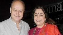 https://www.filmibeat.com/img/2021/05/anupamkher1-1621674776.jpg