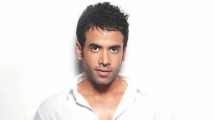 https://www.filmibeat.com/img/2021/05/tusshar-kapoor-1622103804.jpg