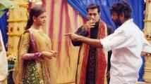 https://www.filmibeat.com/img/2021/06/salman-aishwarya-1624087000.jpg