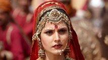 https://www.filmibeat.com/img/2021/06/zareen-khan-1623842871.jpg
