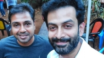 https://www.filmibeat.com/img/2021/08/kuruthi-director-manu-warrier-1-1629306881.jpg