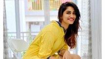 https://www.filmibeat.com/img/2021/08/shivani-1629547505.jpg
