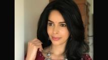 https://www.filmibeat.com/img/2021/09/mallika-sherawat-1631794641.jpg