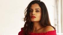 https://www.filmibeat.com/img/2021/09/sarayu-1631365651.jpg