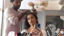 https://www.filmibeat.com/img/2021/09/pooja-hegde-make-up-room-1631815695.jpg