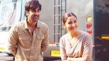 https://www.filmibeat.com/img/2021/09/ranbir-kapoor-alia-bhatt1-1632899571.jpg