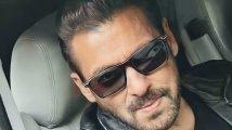 https://www.filmibeat.com/img/2021/09/salman-khan1-1632764227.jpg