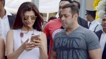 https://www.filmibeat.com/img/2021/09/sangeeta-salman-1632123382.jpg