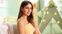 https://www.filmibeat.com/img/2021/10/kareenakapoor2-1634965192.jpg