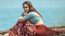 https://www.filmibeat.com/img/2021/10/aditiraohydari-1634039315.jpg