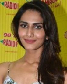 Vaani-Kapoor