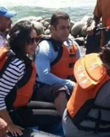 Salman Enjoys River Rafting In Manali