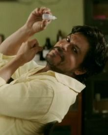 SRK Is Spectacular In Raees Trailer