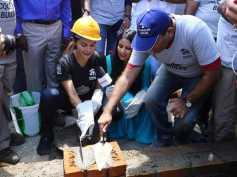 Jacqueline Fernandez Lends A Helping Hand In Rebuilding Flood-Affected Kerala!