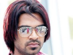 Simbu's mom gave him a lesson?