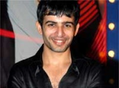 Jay Bhanushali and Mika enter Iss Jungle