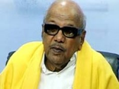 Karunanidhi watches movie Thamizh Padam with his wife