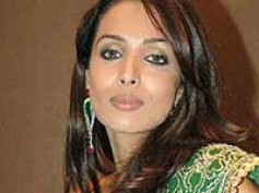 Malaika Arora loses out to Diana Hayden