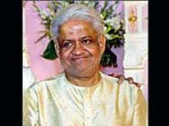 Pyarelal felicitated by Malwa Rangmanch Samiti