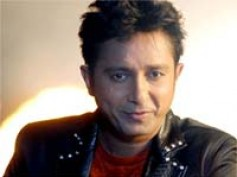 Sukhwinder Singh croons in Marathi